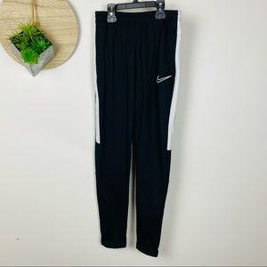 *New With Tags* Nike Black White Athletic Pants Size Large